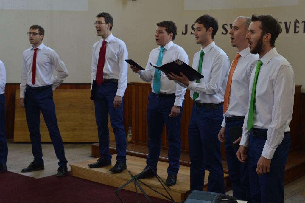 mužská vokální skupina VOSK pod vedením Jana Zapletala