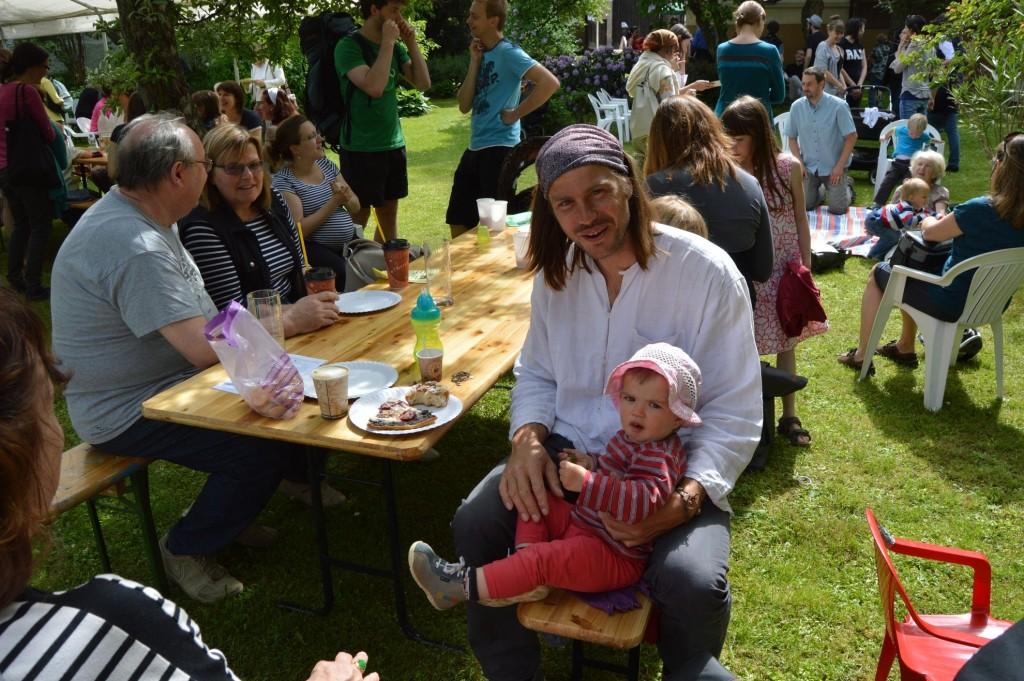 vzorný tatínek z festivalu :-)
